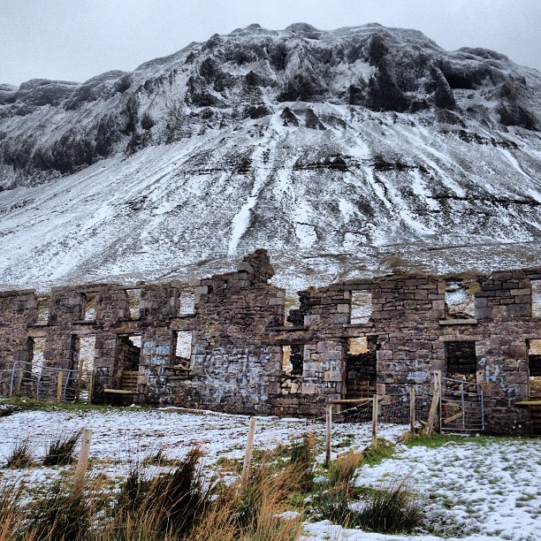 The old school house and the mountain