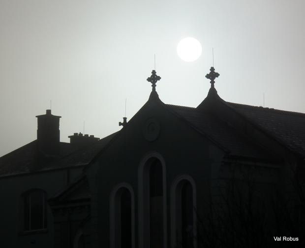The sun over Globe House