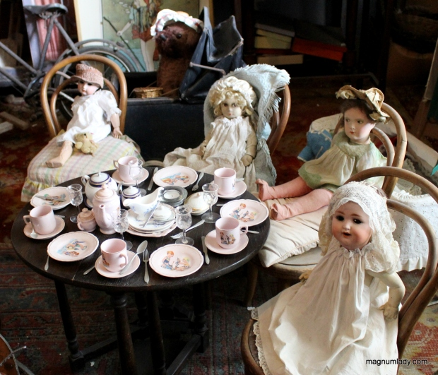 Scary dolls tea party