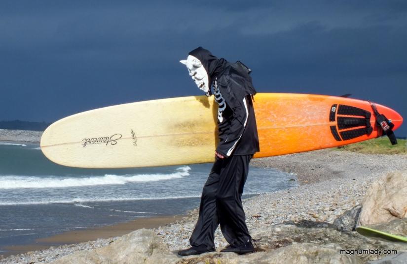Skeleton taking to the sea