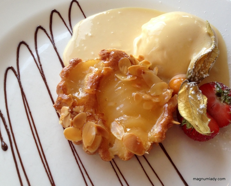 Pear & Almond Tart on Baileys Créme Anglaise