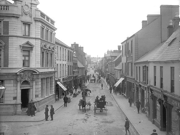 Old O'Connell Street looking n