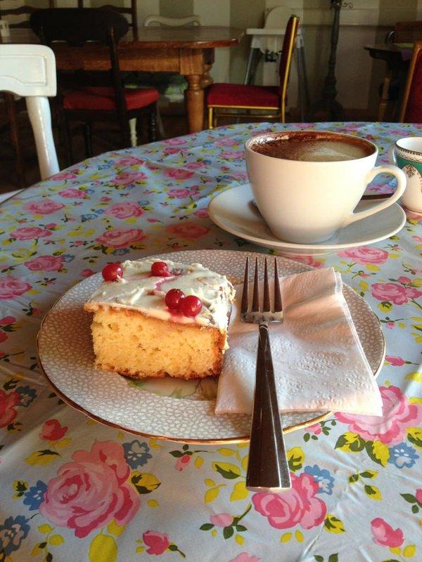 Helen's Cake - Vintage Lane